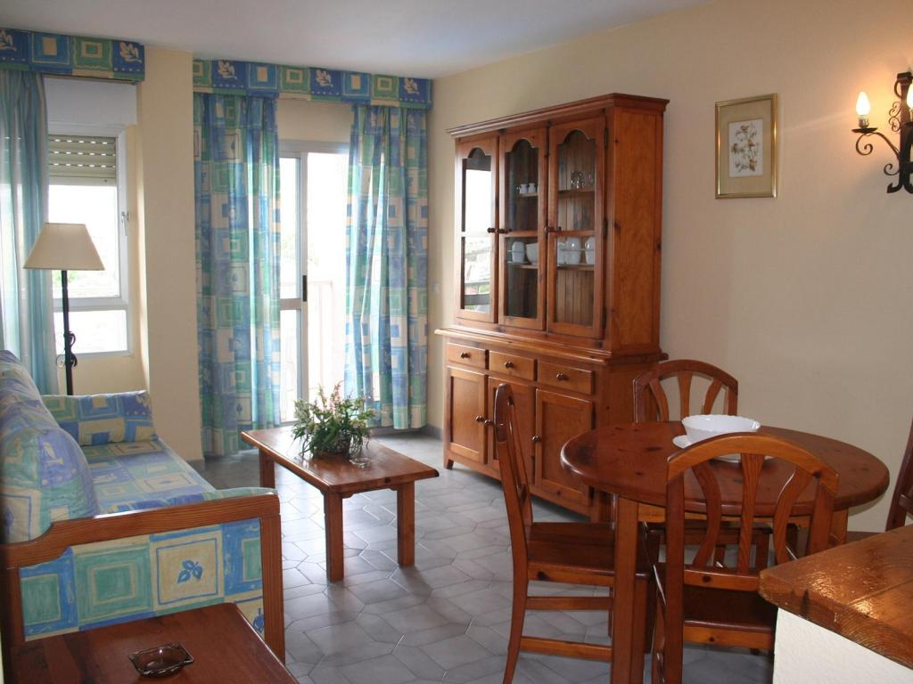 Minerva jupiter apartments apartment in benalmadena malaga for Decoracion de apartamentos sencillos