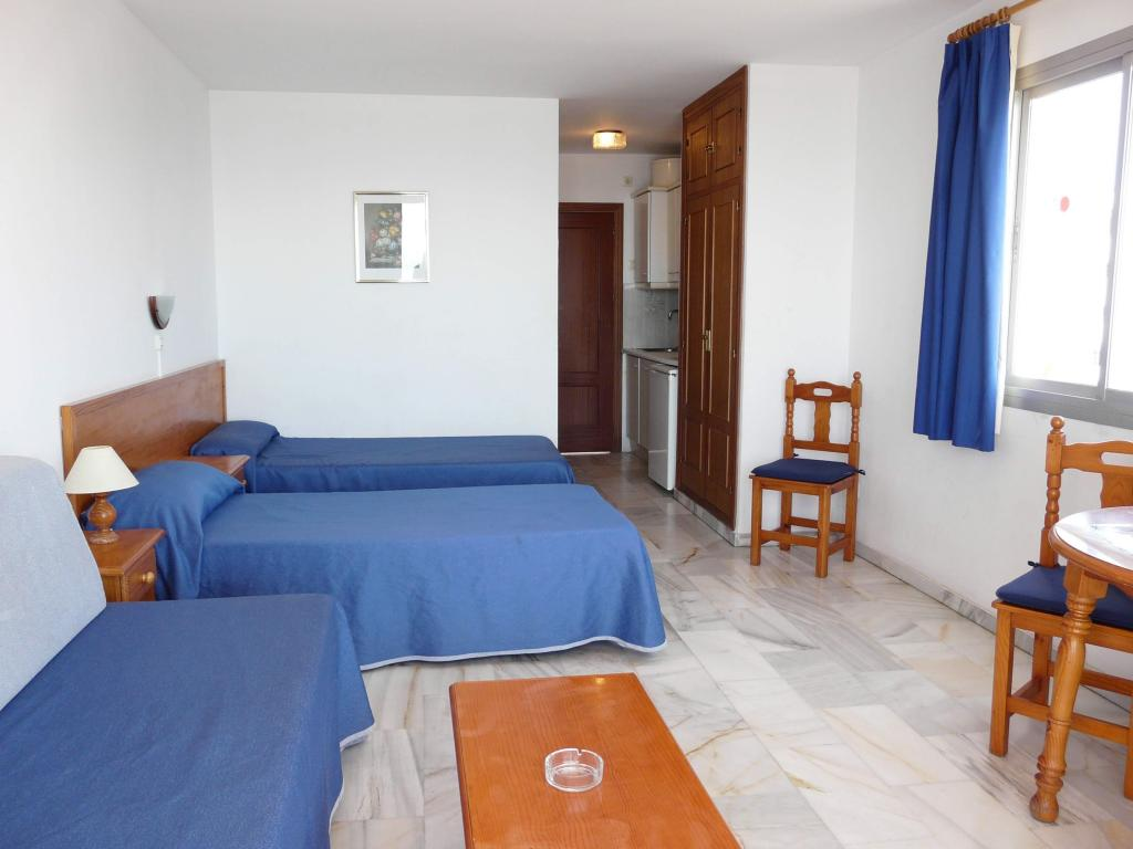 Sunny Beach Apartment In Benalmadena Malaga