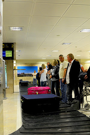 Granada airport luggage carousel